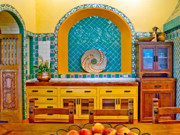 Vibrant Southwestern Kitchen | HGTV