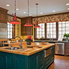 Photos HGTV - Red pendant lights for kitchen