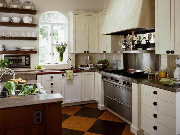 Country kitchen cabinets pictures ideas tips from hgtv - Country style kitchen cabinets design ...