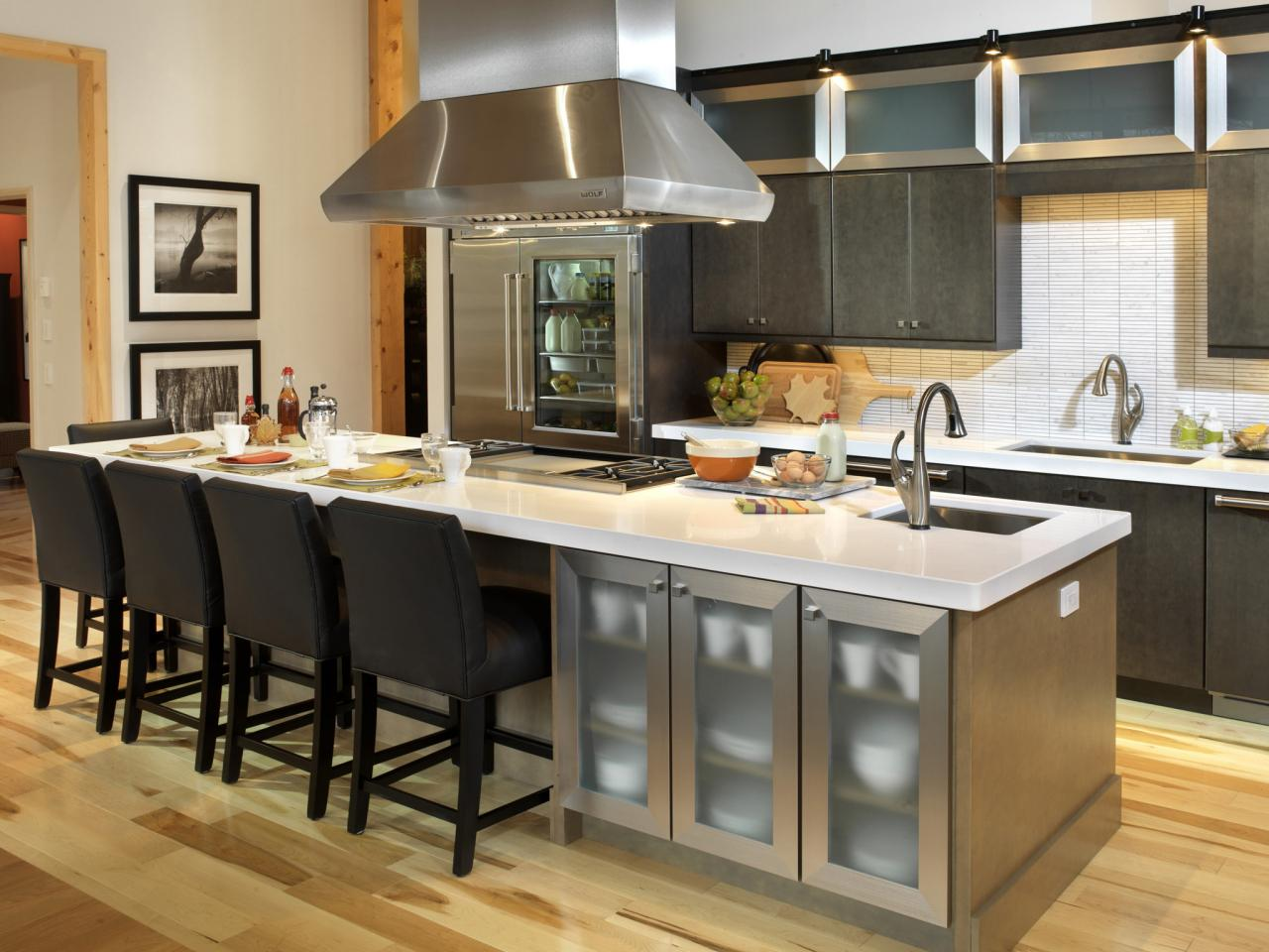 Kitchen Islands With Seating: Pictures & Ideas From HGTV ...