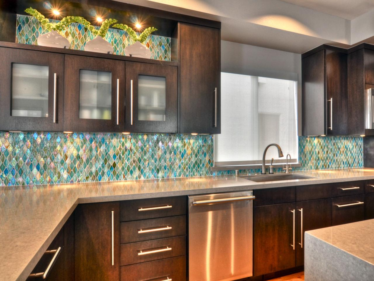 glass backsplash ideas for kitchens