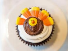 Kids of all ages will have a blast using candy and frosting to dress up plain cupcakes to resemble cute Thanksgiving turkeys. Make these treats a day before the big feast or make decorating the cupcakes part of your Turkey Day festivities.