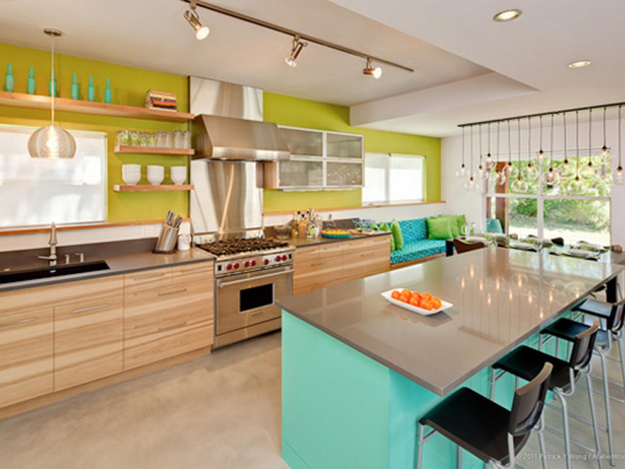 Popular kitchen paint colors pictures ideas from hgtv for Popular kitchen paint colors