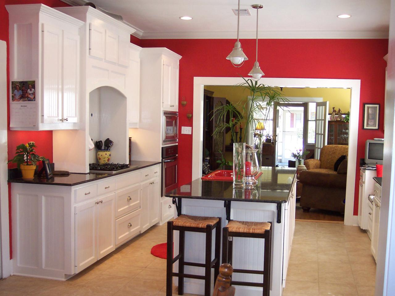 What colors to paint a kitchen pictures ideas from hgtv for Kitchen cabinets lowes with red rose wall art