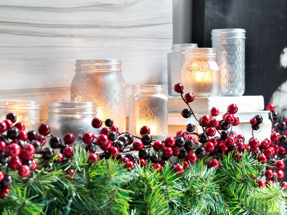 country christmas decorations hgtv - Country Christmas Mantel Decorating Ideas