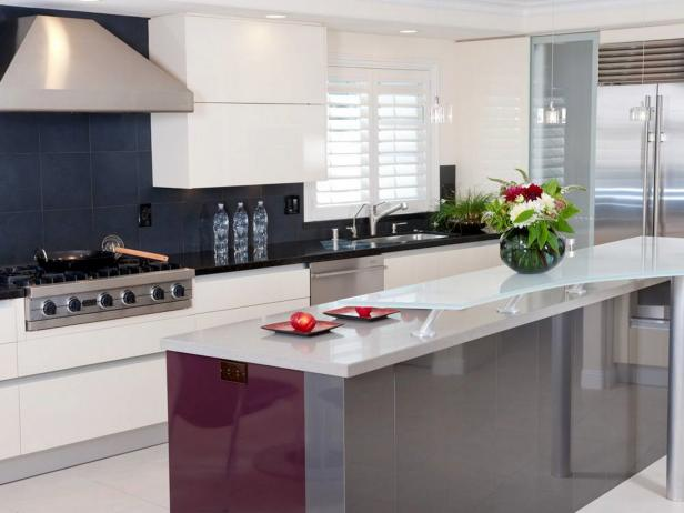 modern kitchen with black tile backsplash - Moderne Kchen