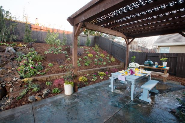 Gardenside Dining Patio With Wood Pergola & Grill