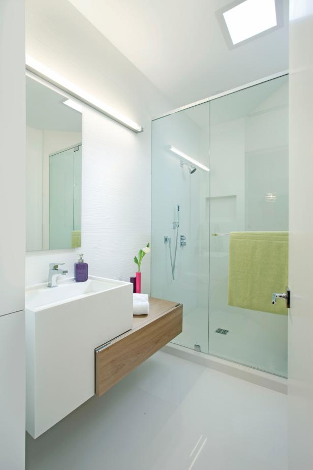 Modish Bathroom Lighting Ideas With Modern Concept: Minimalist Details Have Big Impact In White Bathroom