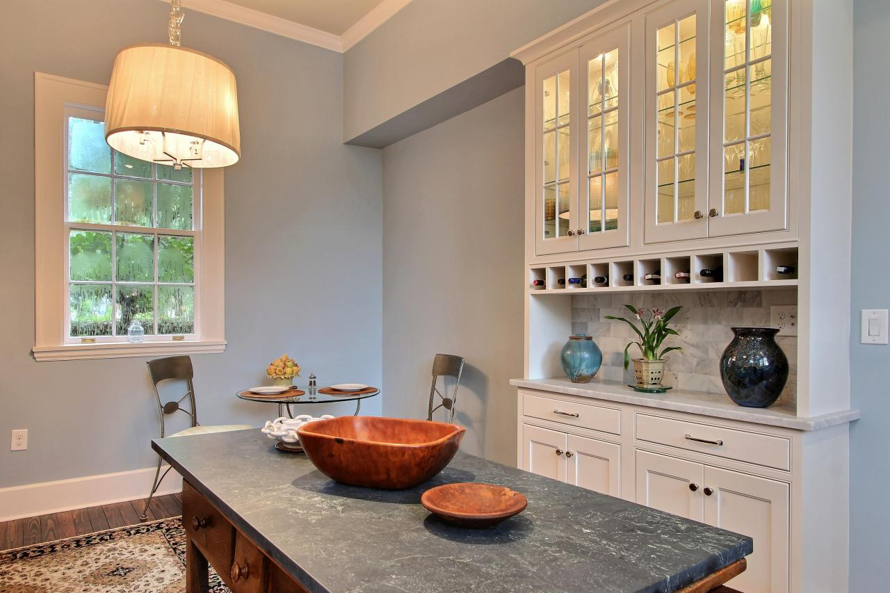 Neutral Transitional Kitchen With Built-In Cabinet and ...