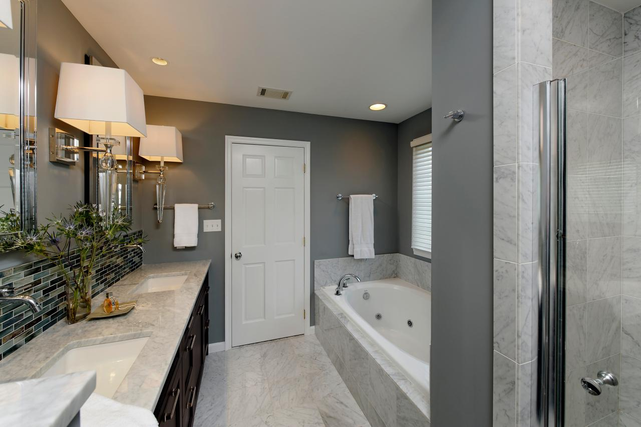 Photo page hgtv for Photos of contemporary bathrooms