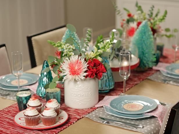 Vintage Red-and-White Holiday Table Setting