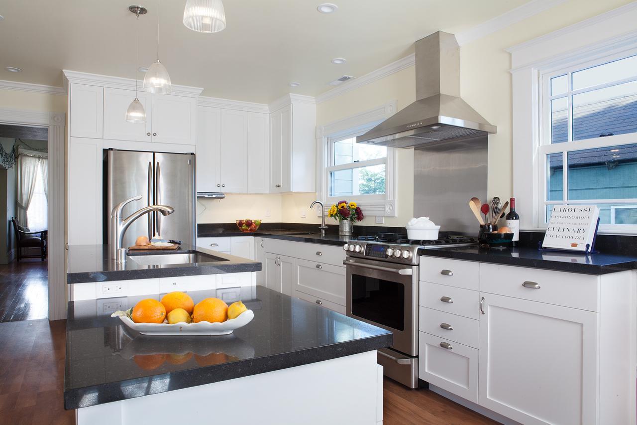 Bi-Level Islands Show a Stylish Edge in Contemporary Kitchen Design ...