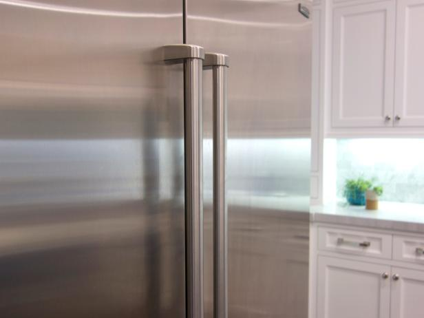 Clean Your Refrigerator Handle