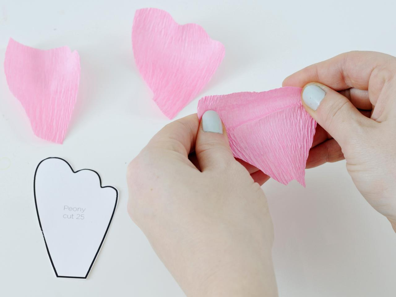 How to make flowers using crepe paper hgtv mightylinksfo