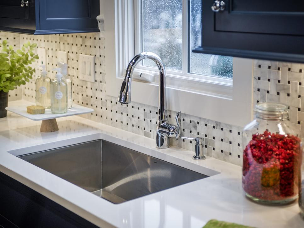 Our 13 favorite kitchen countertop materials hgtv for Kitchen counter decor