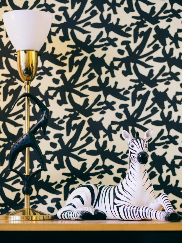 Black and White Pattern Wallpaper With Animal Table Display