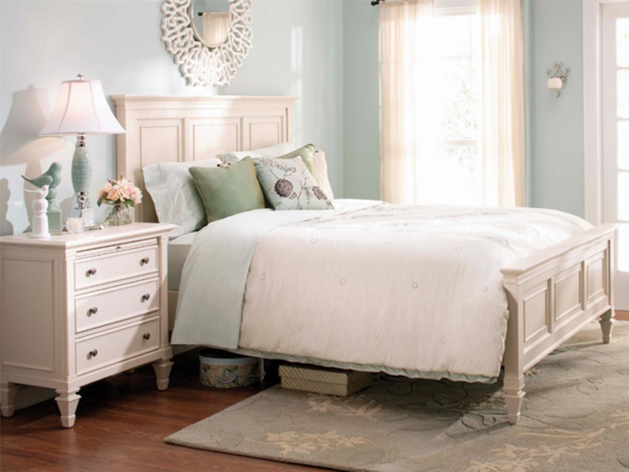 7 Quick Tips For Organizing Your Bedroom