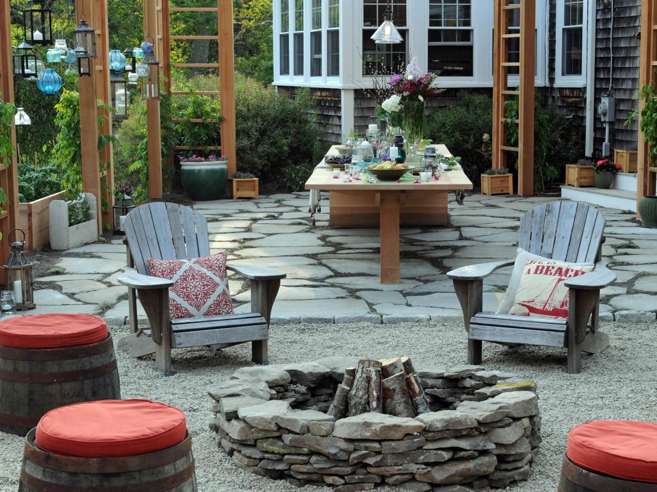 Simple Setup U003d Big Fun. Outdoor Dining Area With Fire Pit ...