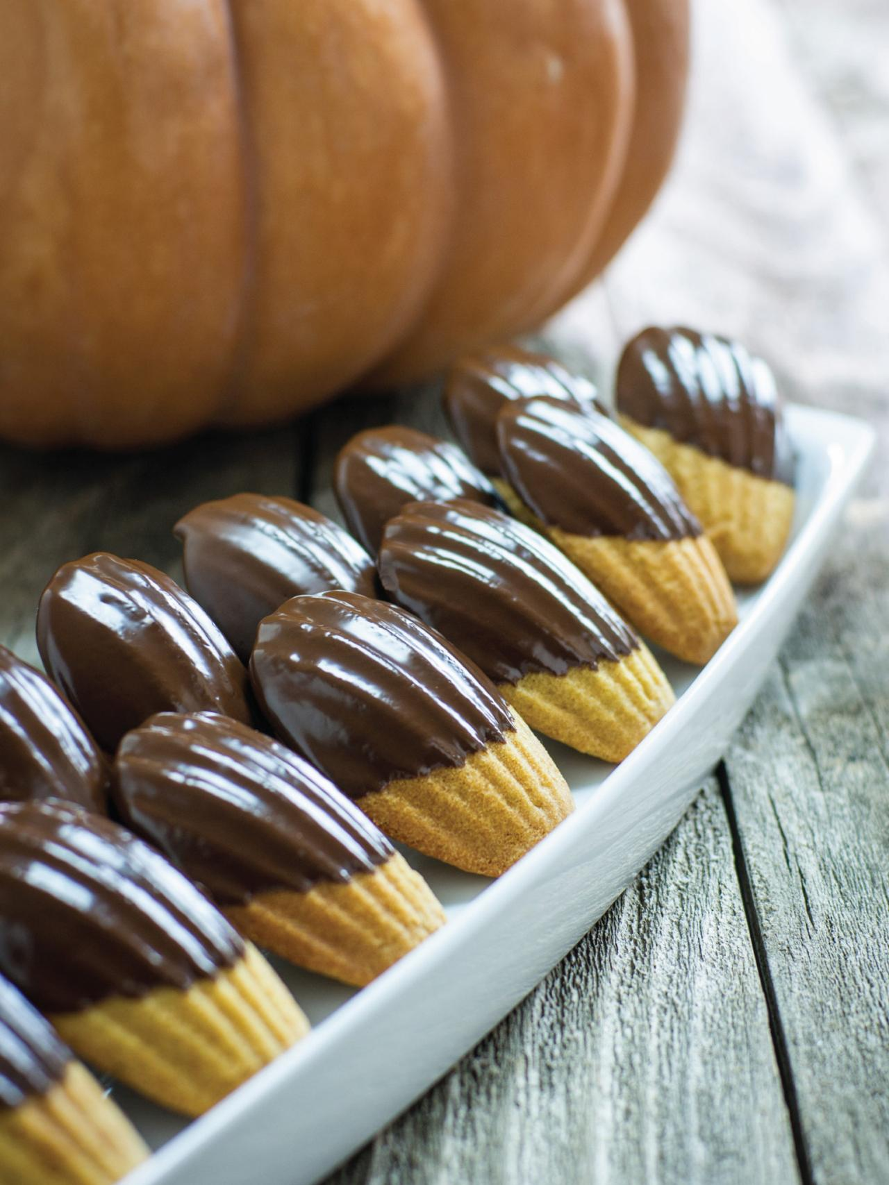 How To Make Chocolate Pumpkin Cookies Hgtv