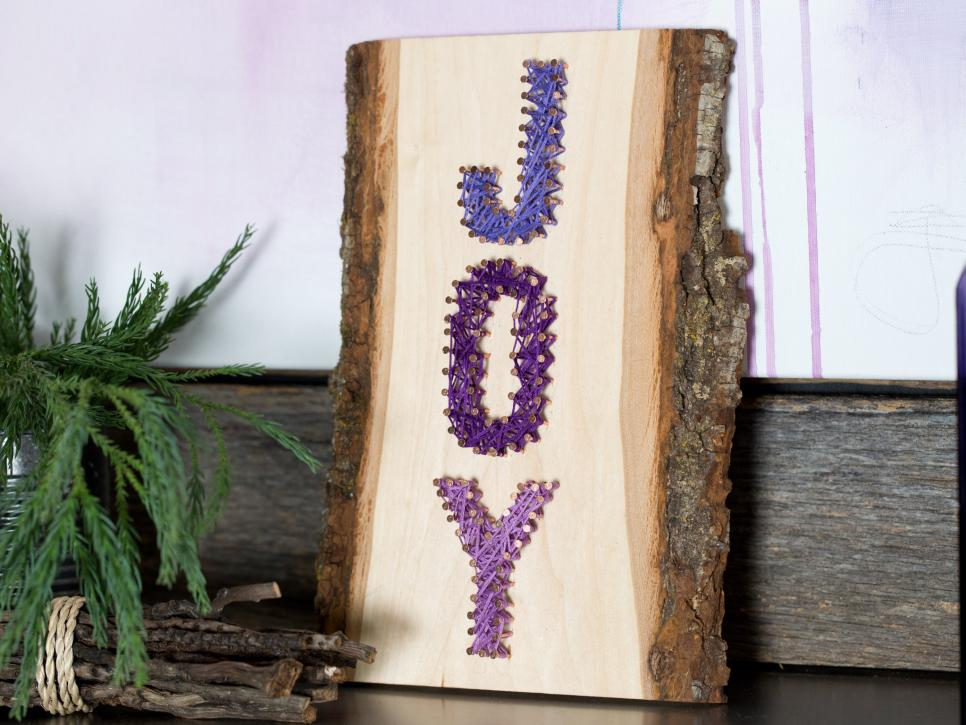 String Art Holiday Sign