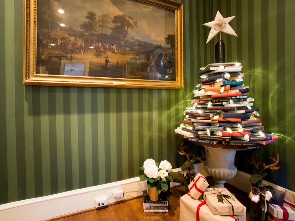 christmas tree themes hgtv - Pictures Of Homes Decorated For Christmas On The Inside