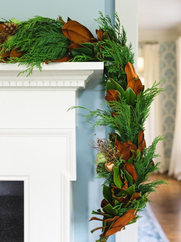 Evergree Holiday Garland With Magnolia Leaves