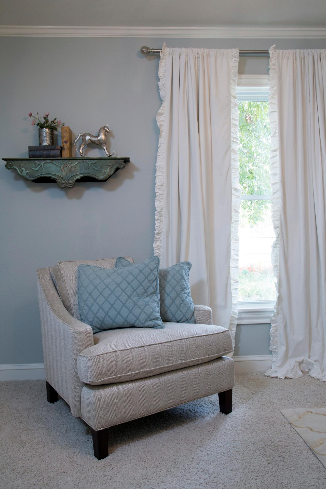 fixer upper living room curtains photos hgtv s fixer with chip and joanna gaines hgtv 745