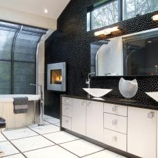 Contemporary Bathroom With Accent Wall