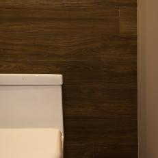 Wood Accent Wall Adds Texture, Warmth to Modern Bathroom