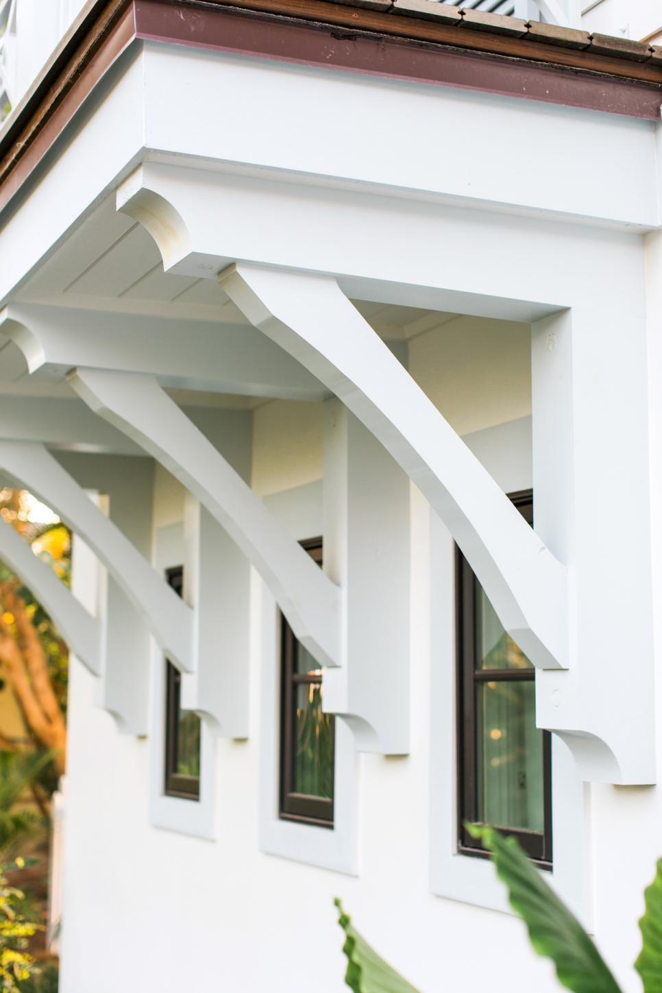 HGTV Dream Home 2016 Balcony Eaves