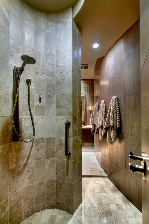 Bathroom Design Trend: No-Threshold Showers | HGTV