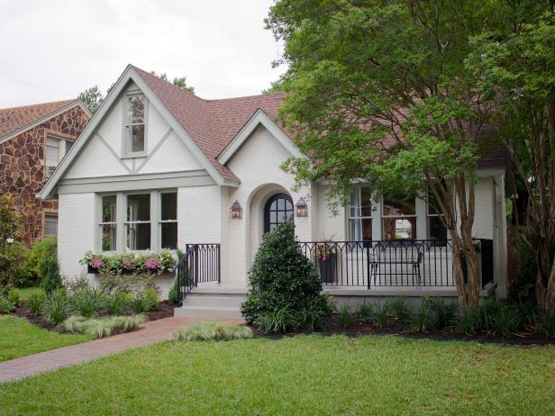 Fixer Upper Brick Cottage For Baylor Grads Hgtv S Fixer