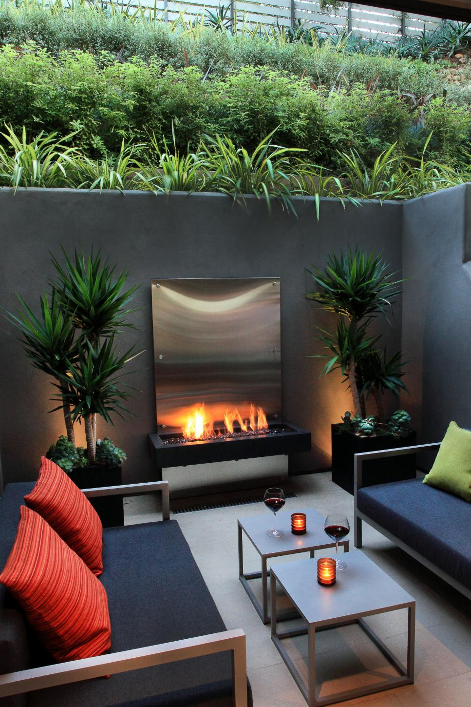 Contemporary Sunken Patio With Floating Fireplace