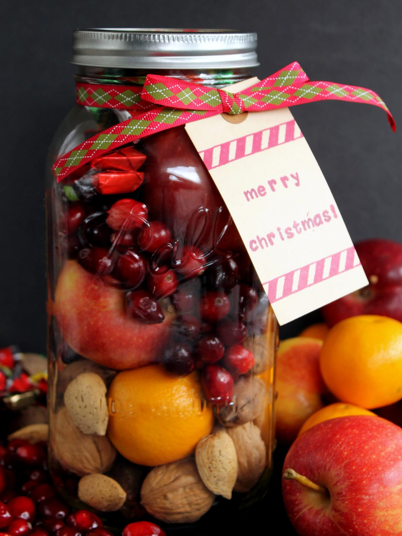 fruit basket in a jar - Christmas Basket Decoration Ideas
