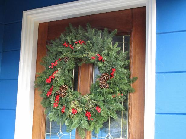 Winterberry Christmas Wreath