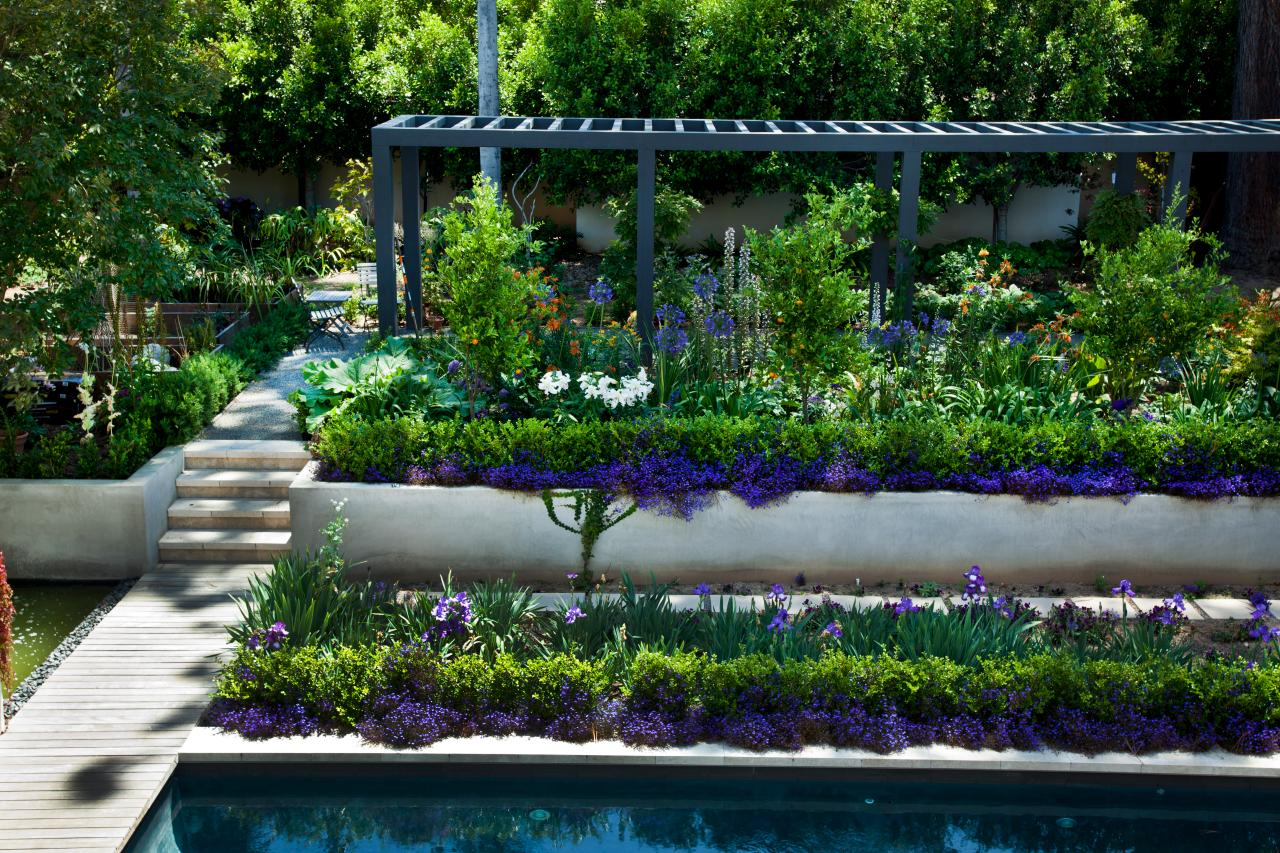 How to design a backyard that feels like a private for Garden city pool jobs