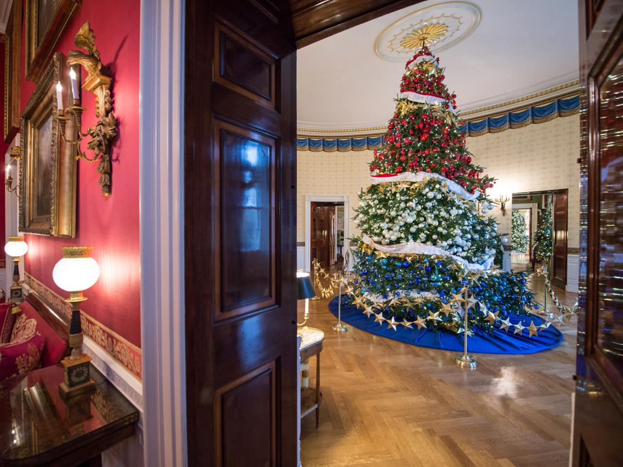 visual highlights from christmas 2015 the official white house - 2017 White House Christmas Decorations
