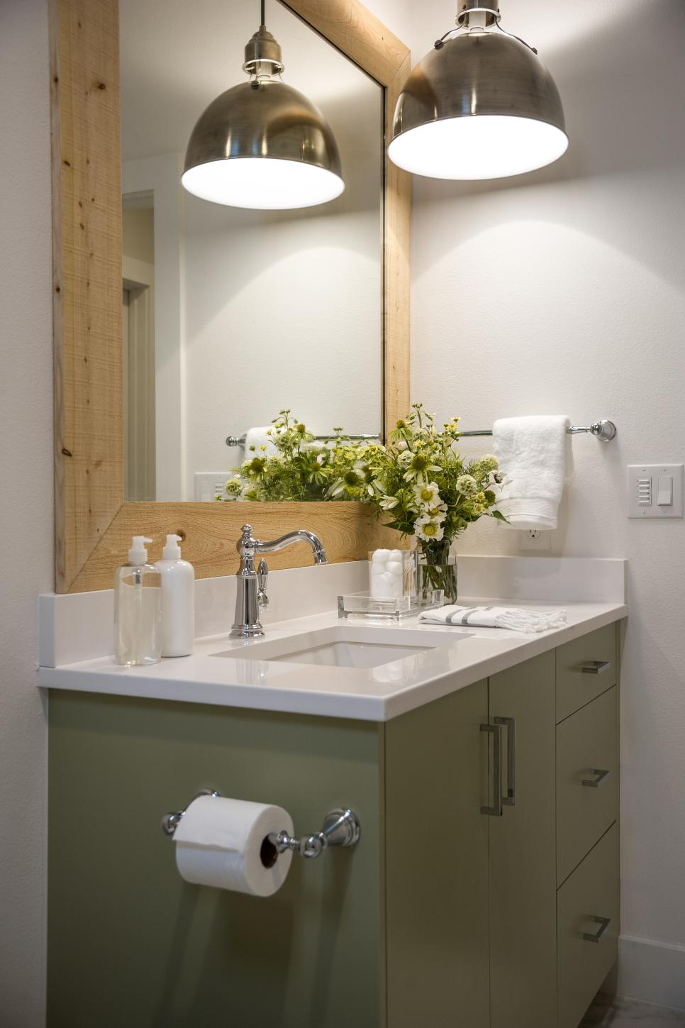 HGTV Smart Home 2015 kids' bathroom.