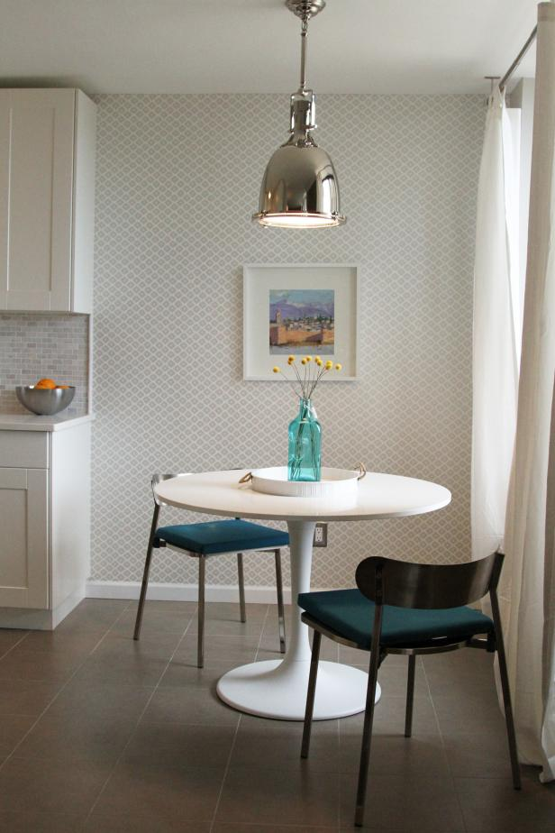Modern Breakfast Nook With Gray And White Wallpaper Hgtv