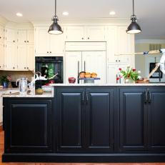 Contrasting Cabinets in Traditional Kitchen