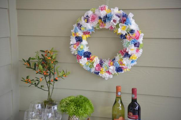 How to Make a Wreath From Cupcake Liners