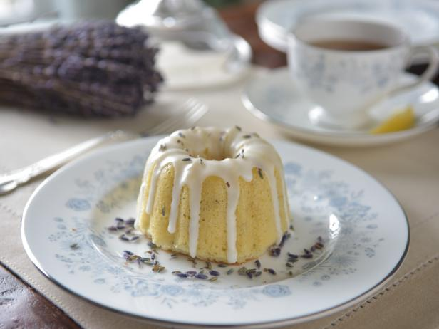 Top Tea Cakes with Loose Lavender