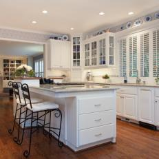 Traditional Colonial Kitchen With Chic Blue Accents