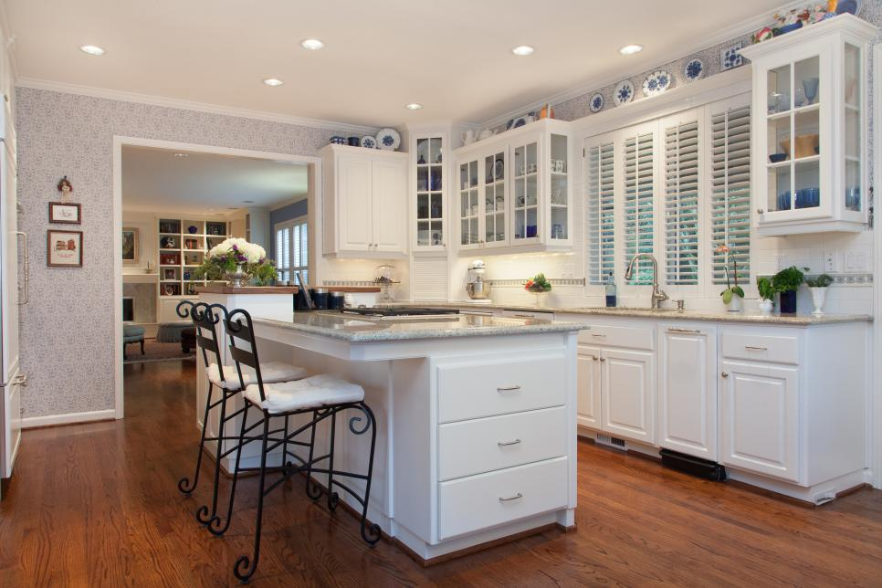 Traditional Colonial Kitchen and Living Room | Fraley and Company ...