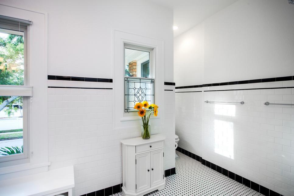 Black And White Art Deco Bathroom
