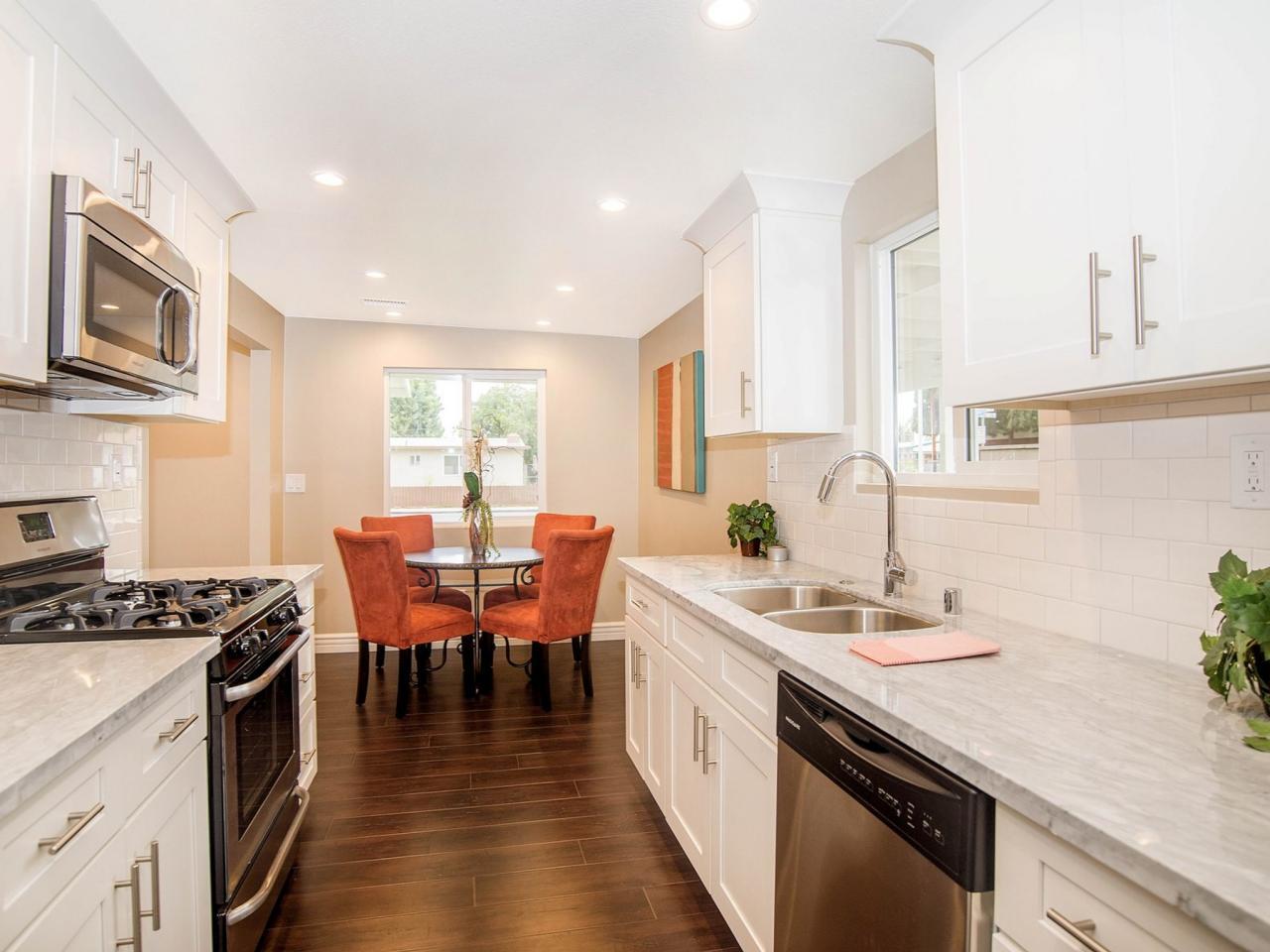 photos hgtv 39 s flip or flop hgtv. Black Bedroom Furniture Sets. Home Design Ideas