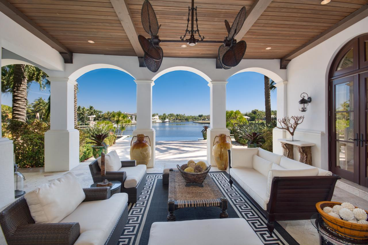 Greek Key Outdoor Rug On Mediterranean Veranda Hgtv