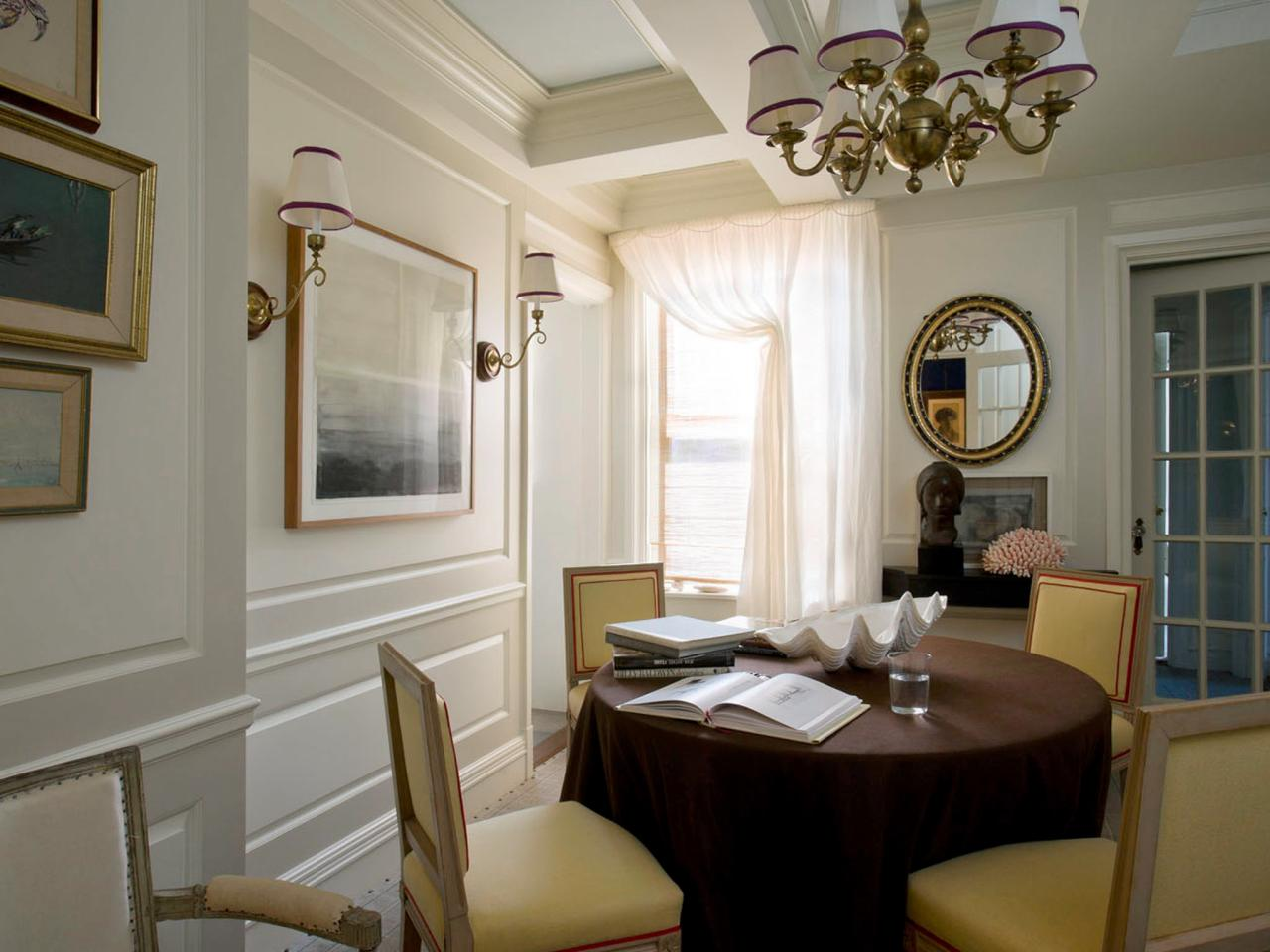 Photo page hgtv Small dining rooms london