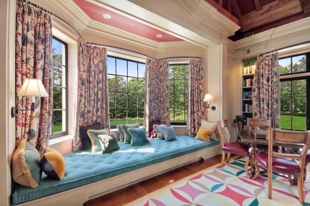 Terrific Window Seat Georgian Mansion In Chappaqua New York Hgtv Machost Co Dining Chair Design Ideas Machostcouk