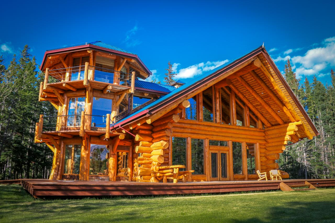 10 Luxe Log Cabins To Indulge In On National Log Cabin Day | HGTVu0027s  Decorating U0026 Design Blog | HGTV